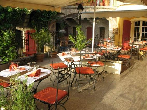 Restaurant L'Oronge ST JEAN DU GARD extérieur