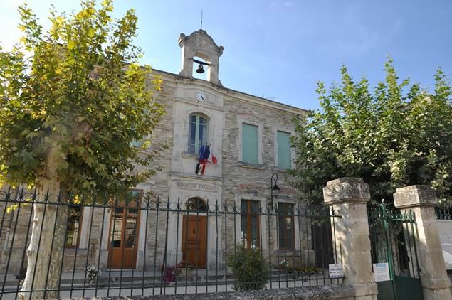 Saint-Hippolyte-de-Caton-Mairie-Ecole-2