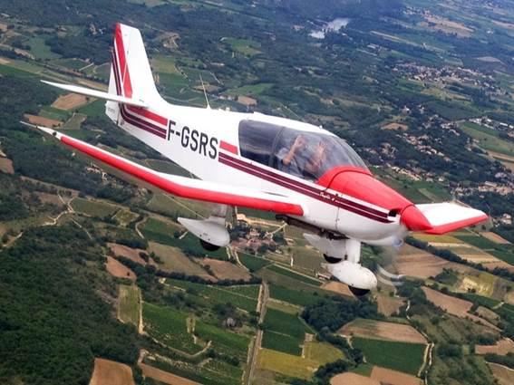 Aéroclub d'Alès et des Cévennes - avion en vol 2 - Deaux