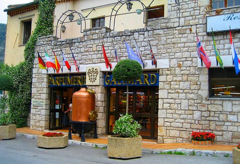 haute-today-parfumery-galimard-eze-entrance