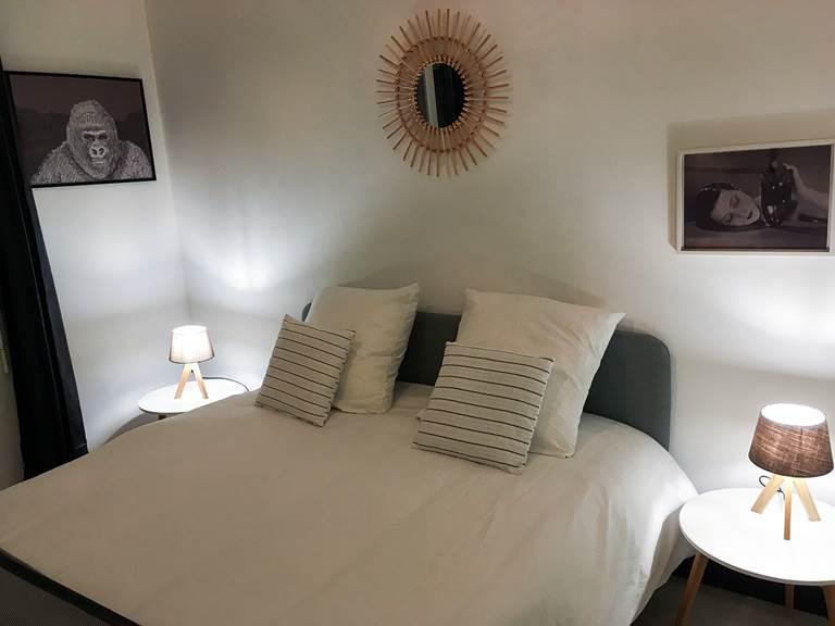 Chez Zaza  chambre 1 avec lit de 160cm