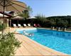 Grande piscine chauffée avec vue magnifique