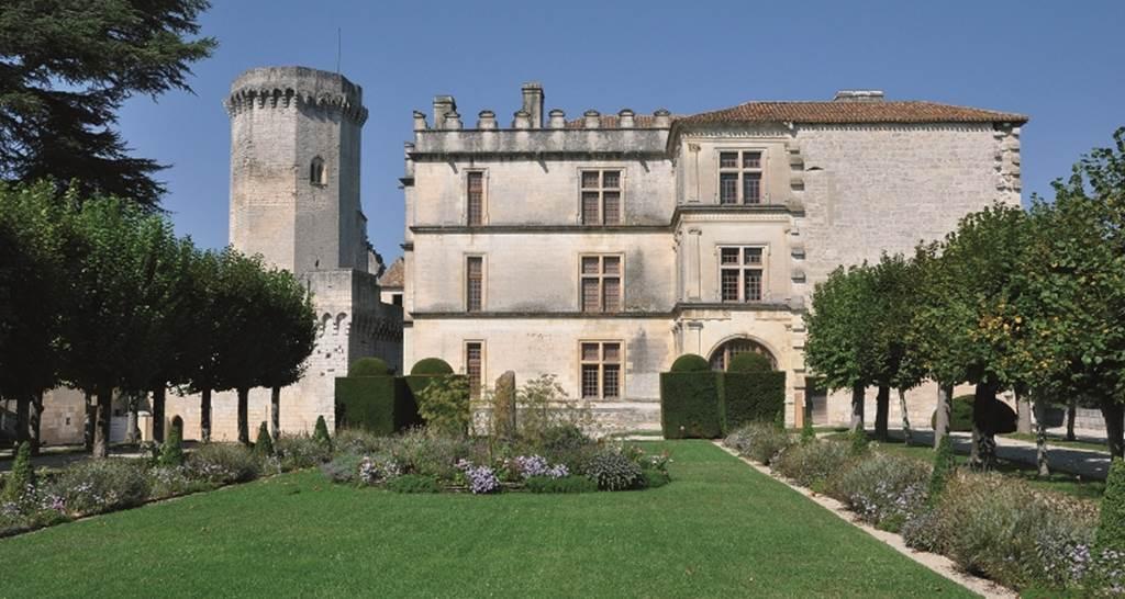 CDT24-tfinal-Chateau-de-Bourdeilles-Renaissance
