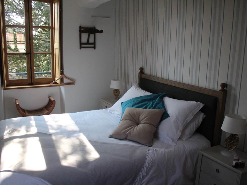 L'istorlet, au premier étage, volets interieurs, literie de grand confort