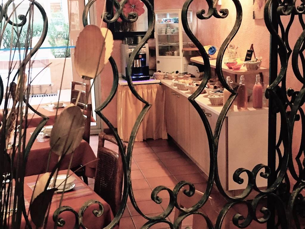 Hôtel Alhambra, buffet petit-déjeuner