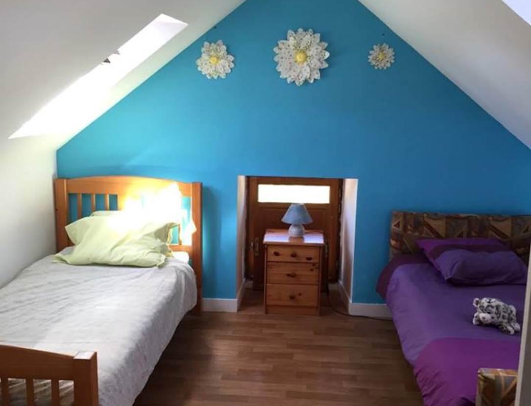 Chambre-lits-simples-Maison-Le-Menach-Christian-Saint-Armel-Presqu'île-de-Rhuys-Golfe-du-Morbihan-Bretagne sud