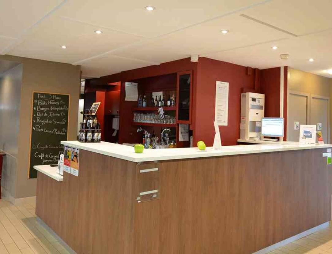 hotel-campanile-vannes-Morbihan Bretagne Sud-reception