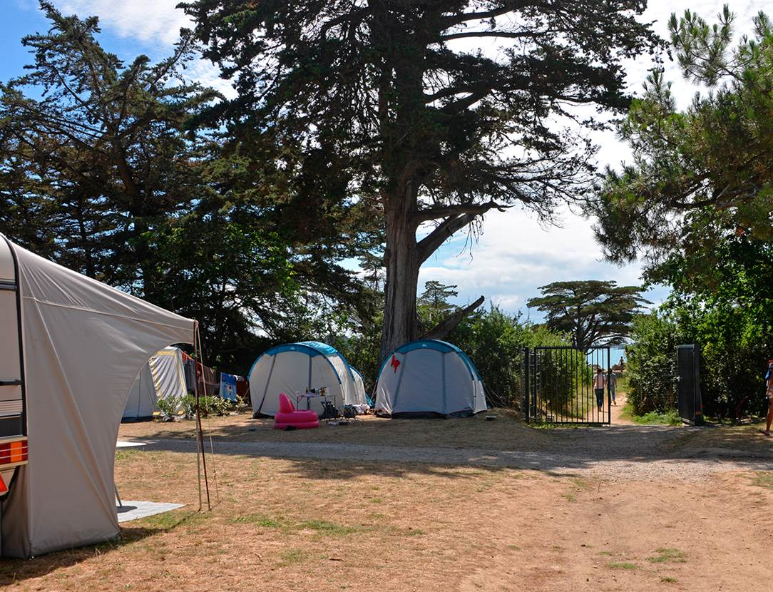 Camping Ker Eden  accès direct à la mer