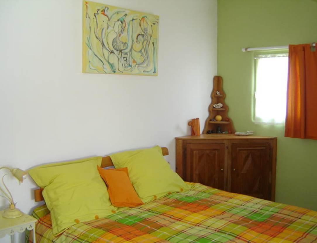 Chambre-lit-double-Chambre-d-hôte-Couleur-Océan-Mme-Lepin-Saint-Gildas-de-Rhuys-Morbihan-Bretagne Sud