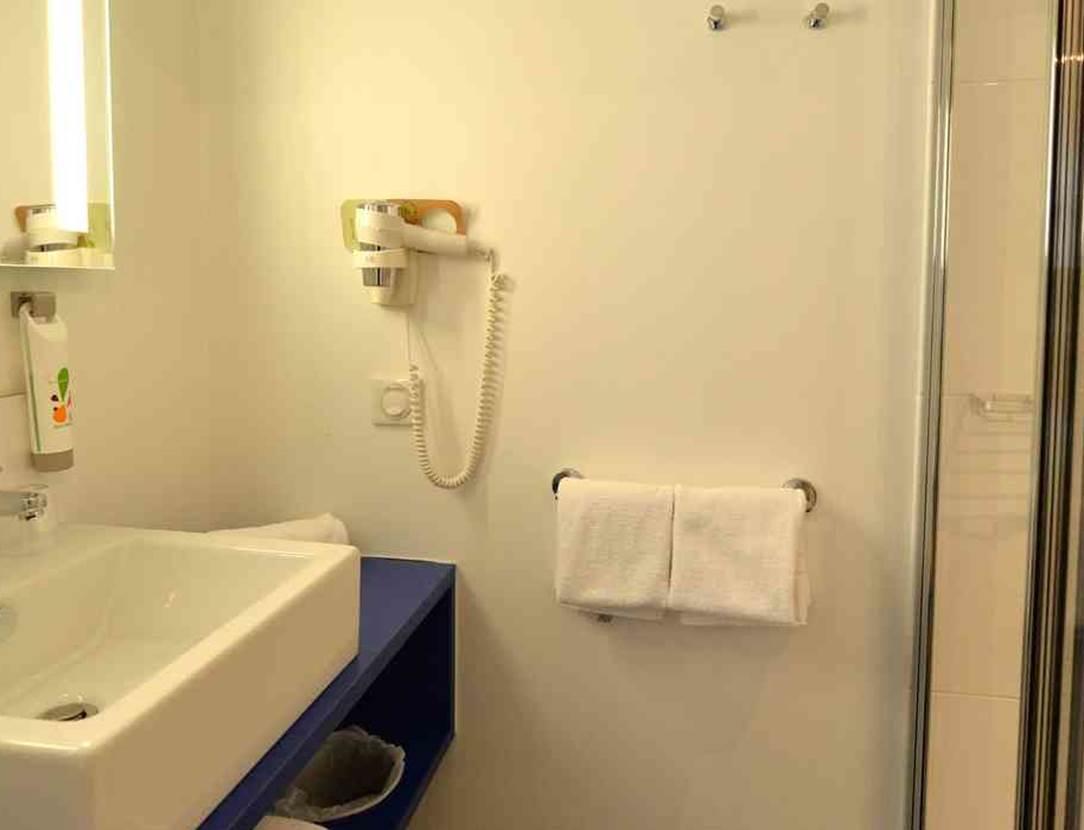 hotel-ibis-styles-vannes-salle-d'eau