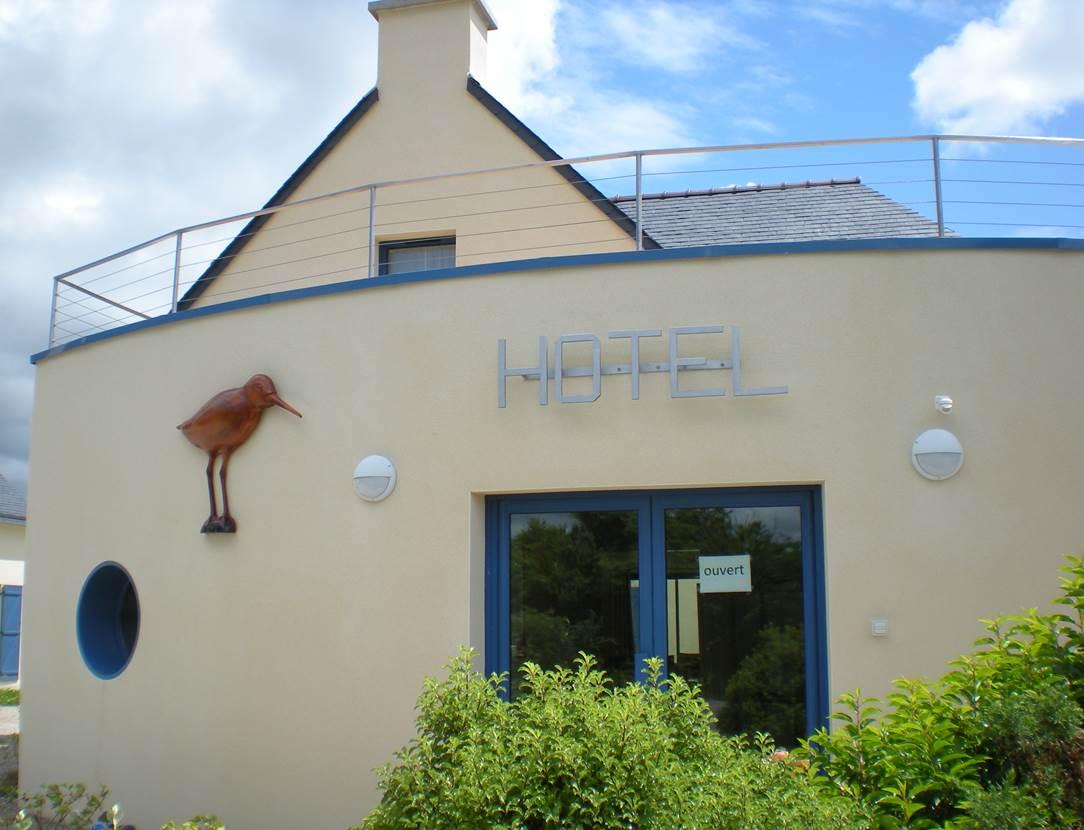 Façade-Hôtel-Chevalier-Gambette-Saint-Armel-Presqu'île-de-Rhuys-Golfe-du-Morbihan-Bretagne sud