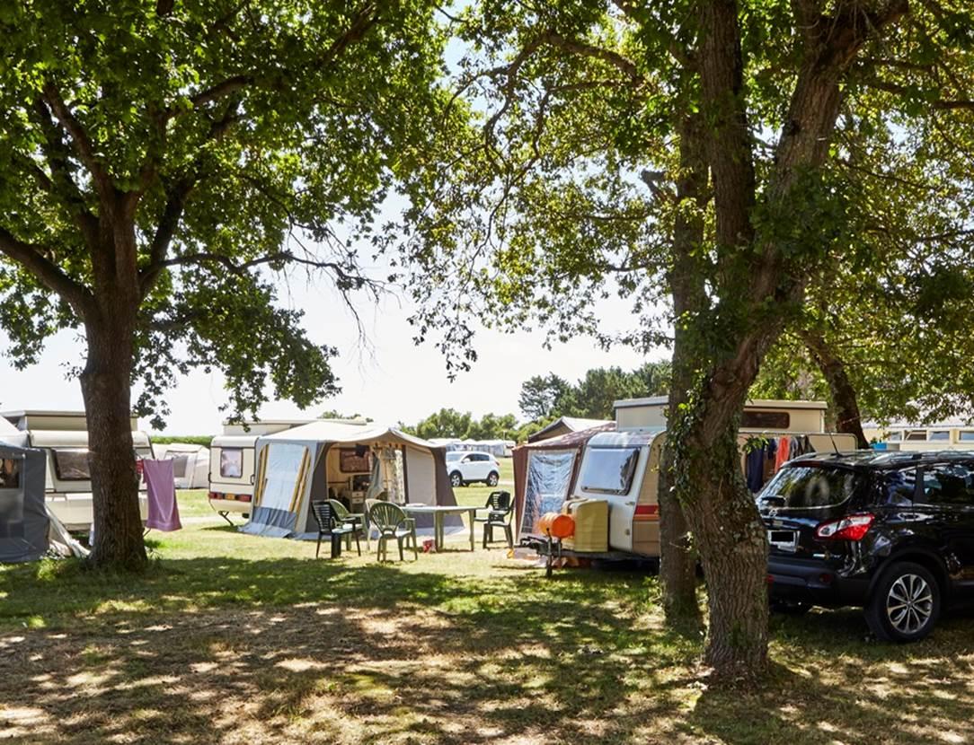 Emplacements-Camping-municipal-Le-Roch-Vetur-Le-Tour-du-Parc-Morbihan-Bretagne Sud