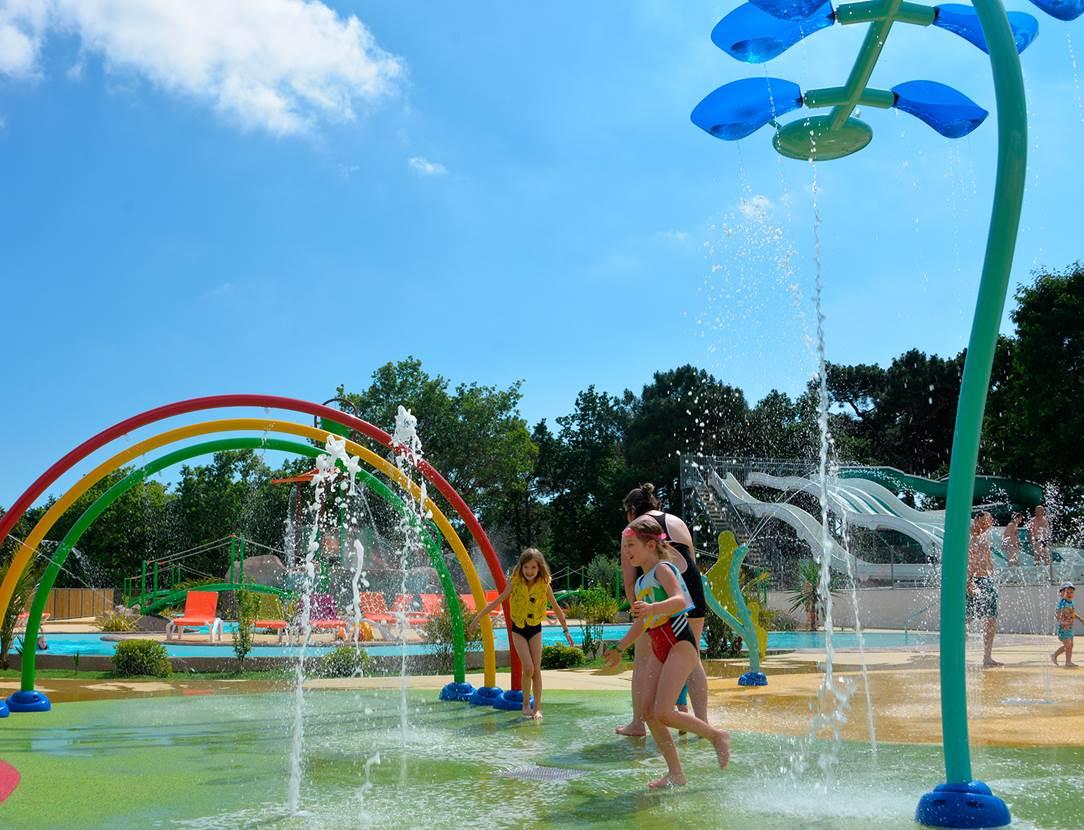 Des heures de plaisir au nouveau parc aqualudique