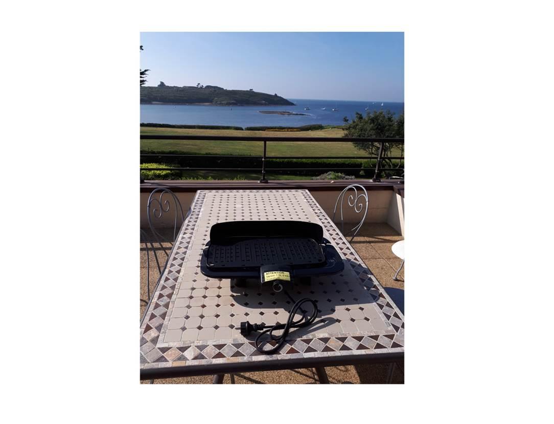 Houat-Appartement-Rabot-Corinne-Barbecue-Electrique-Arzon-Presqu'île-de-Rhuys-Golfe-du-Morbihan-Bretagne sud