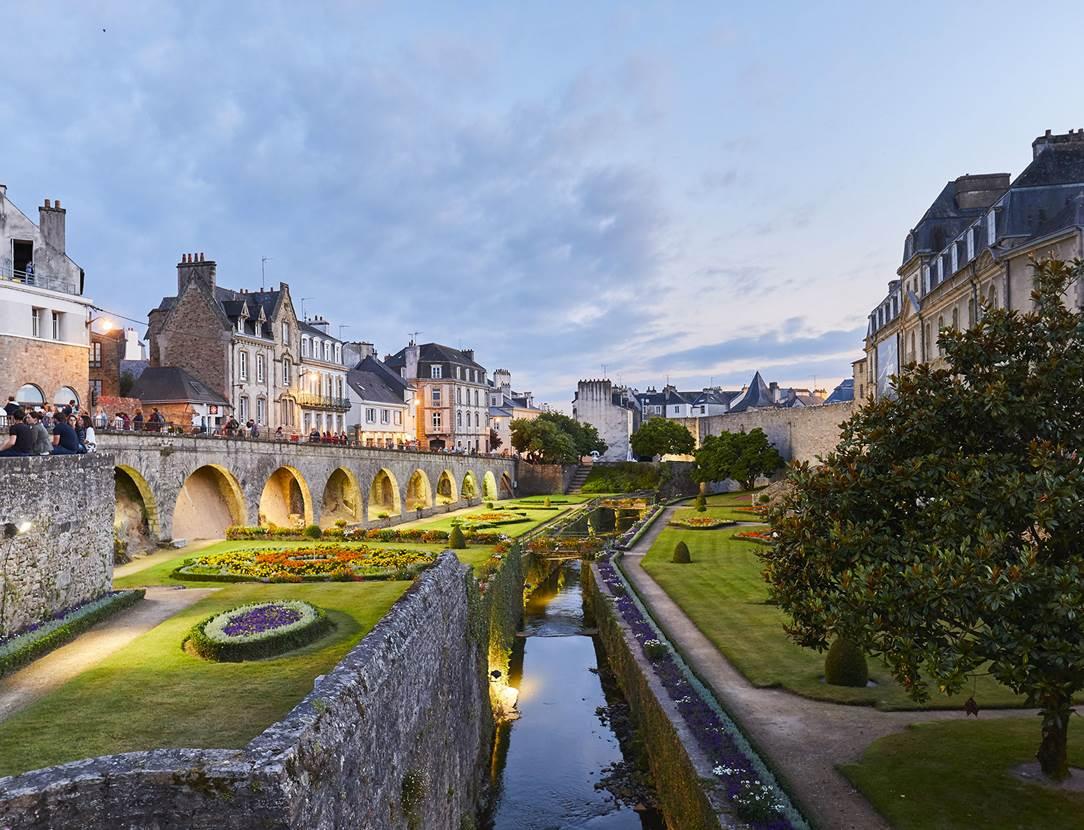 Centre-ville historique de Vannes avec ses fortifications