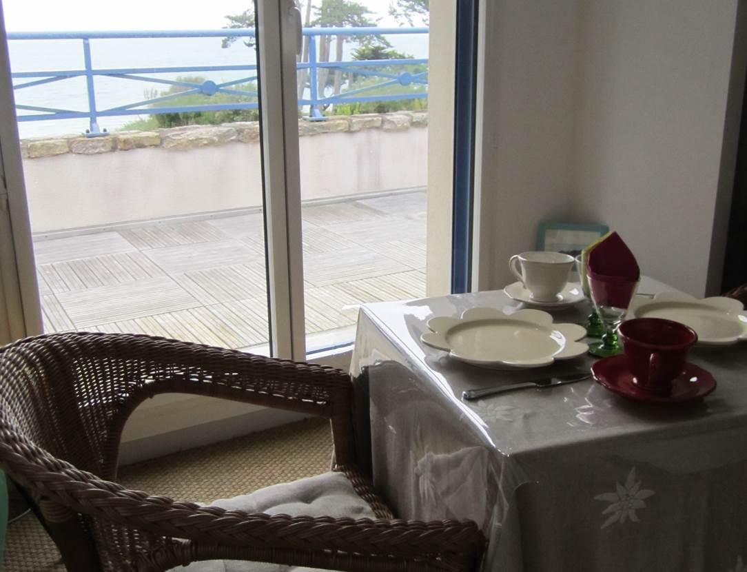 Petit-déjeuner-chambre-d-hôte-oxygène-bretagne-saint-gildas-de-rhuys-morbihan-bretagne sud