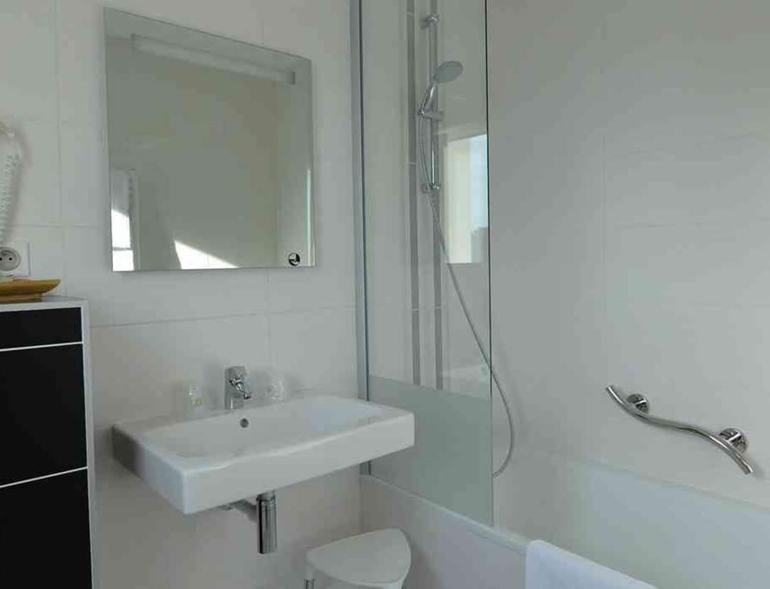 hotel-bestwesternleroof-vannes-Morbihan Bretagne Sud-salledebains
