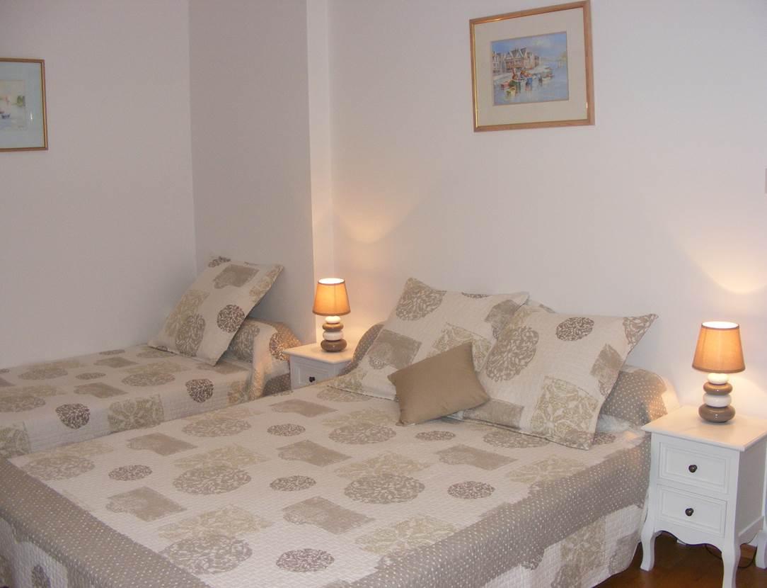 A l'étage, chambre à 2 lits (140 et 90)