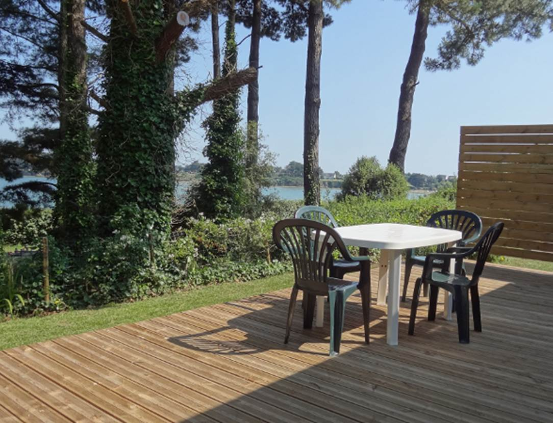 Terrasse-Mobil-Home-Camping-Le-Bilouris-Arzon-Presqu'île-de-Rhuys-Golfe-du-Morbihan-Bretagne sud