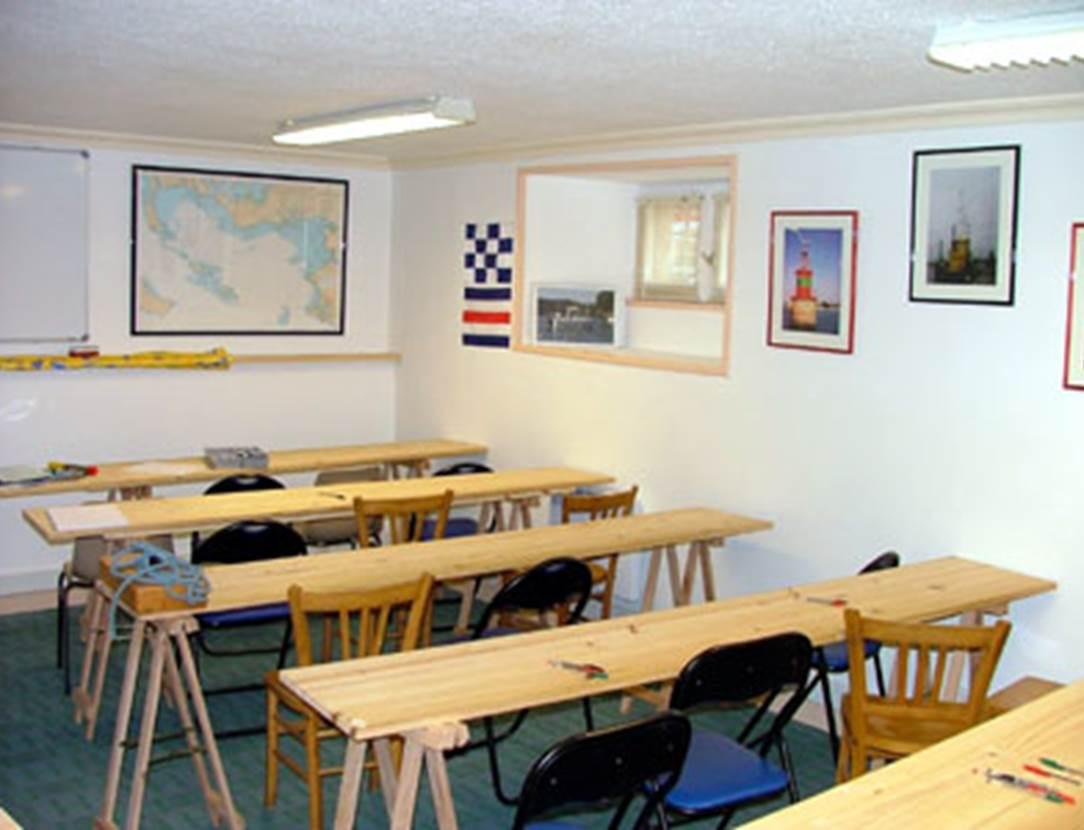 Salle-de-Cours-Centre-de-Formation-Nautique-Vannetais-Arzon-Vannes-Golfe-du-Morbihan-Bretagne sud