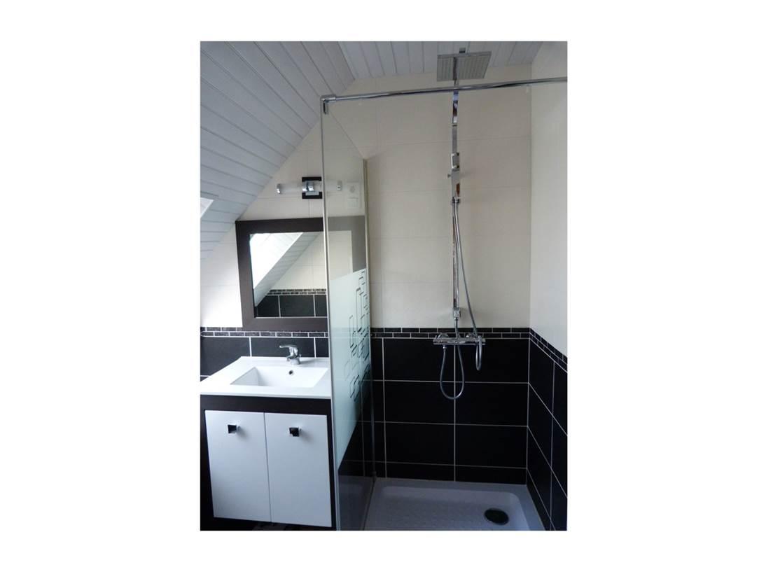 Houat-Appartement-Rabot-Corinne-Salle-de-Bain-Arzon-Presqu'île-de-Rhuys-Golfe-du-Morbihan-Bretagne sud