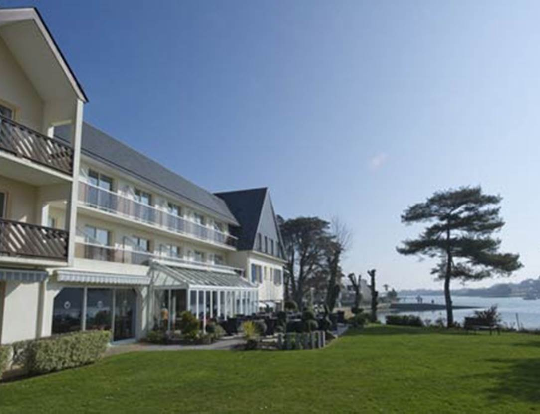Le jardin & la terrasse de l'hôtel