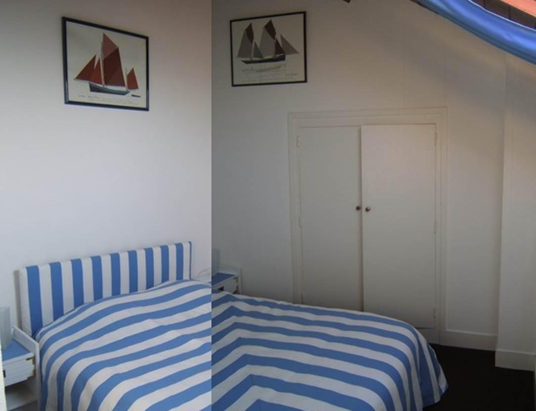 Chambre-lit-double-Hervé-Frioux-arzon-morbihan-bretagne sud