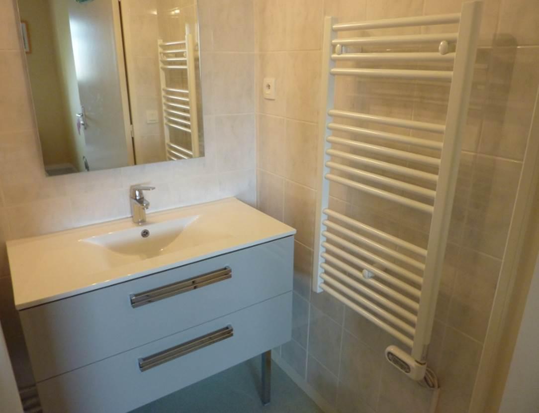 Salle-de-bain-appartement-Guillotin-Jean-arzon-morbihan-bretagne sud