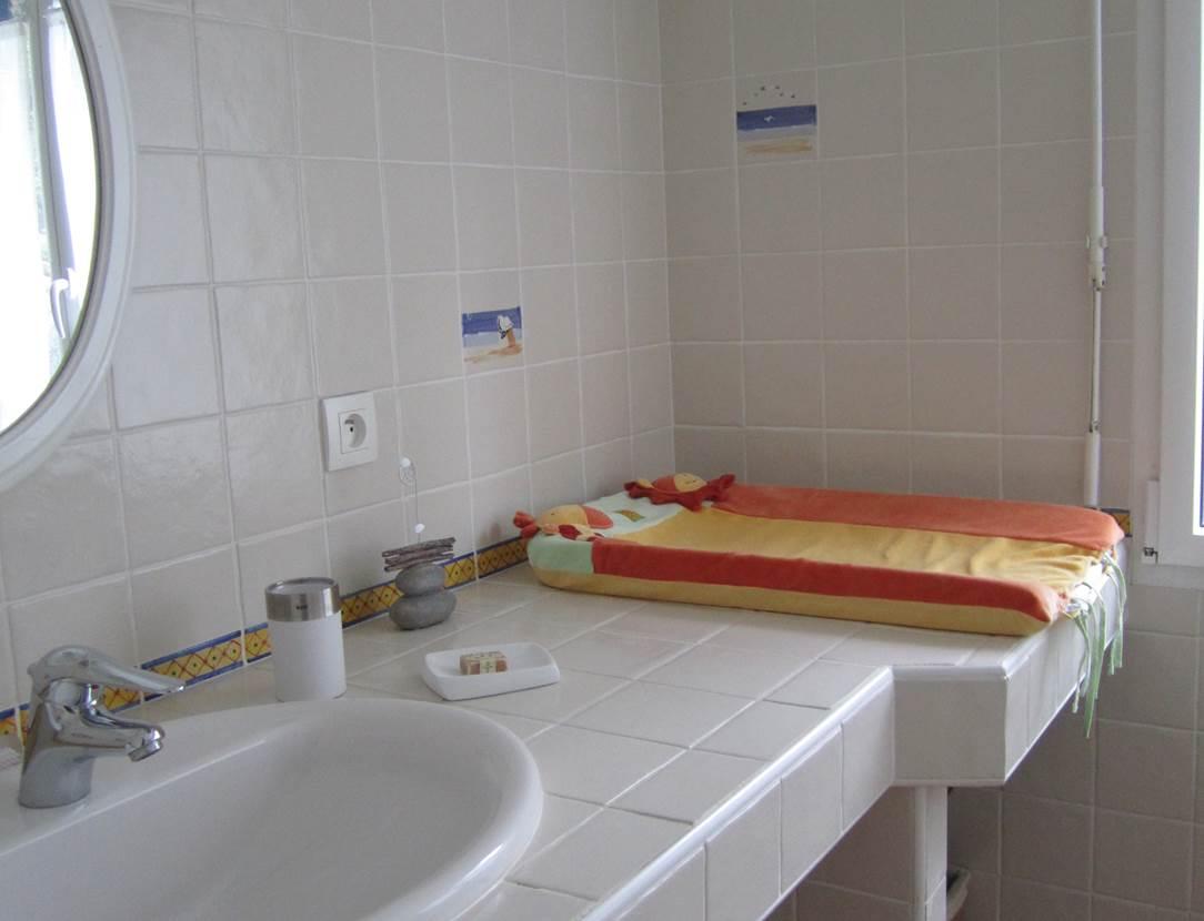 Salle-de-bain-chambre-d-hôte-oxygène-bretagne-saint-gildas-de-rhuys-morbihan-bretagne sud