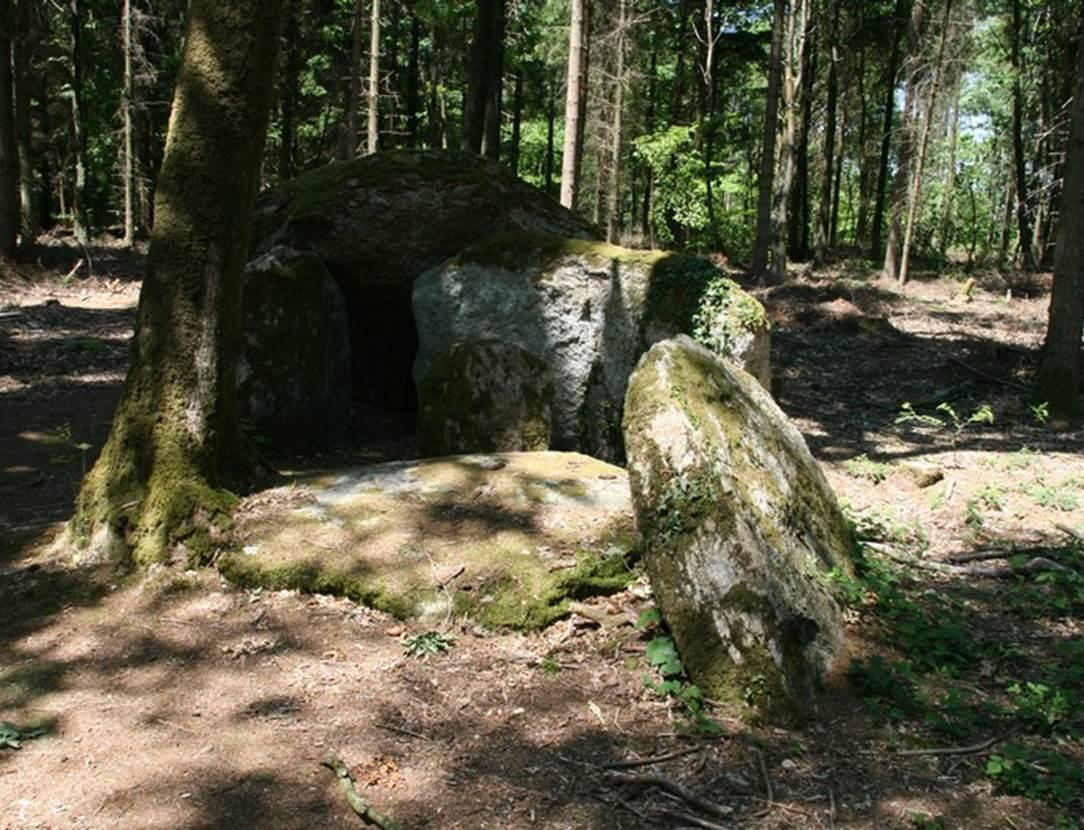 Dolmen de Coeby2 Tredion Morbihan Bretagne-sud