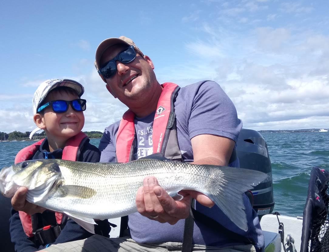 Sortie pêche en famille en bateau guidée par Mickaël RIO dans le Golfe du Morbihan !