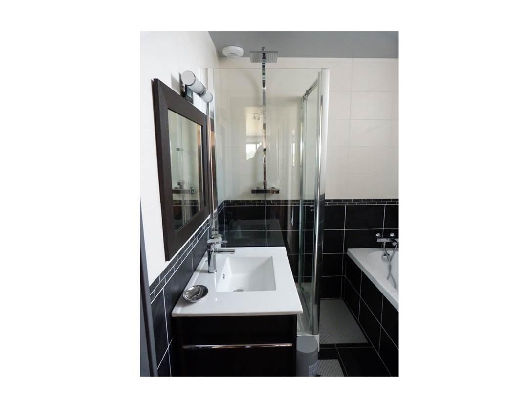 Appartement-Corinne-Rabot-Salle-de-Bain-Arzon-Presqu'île-de-Rhuys-Golfe-du-Morbihan-Bretagne sud