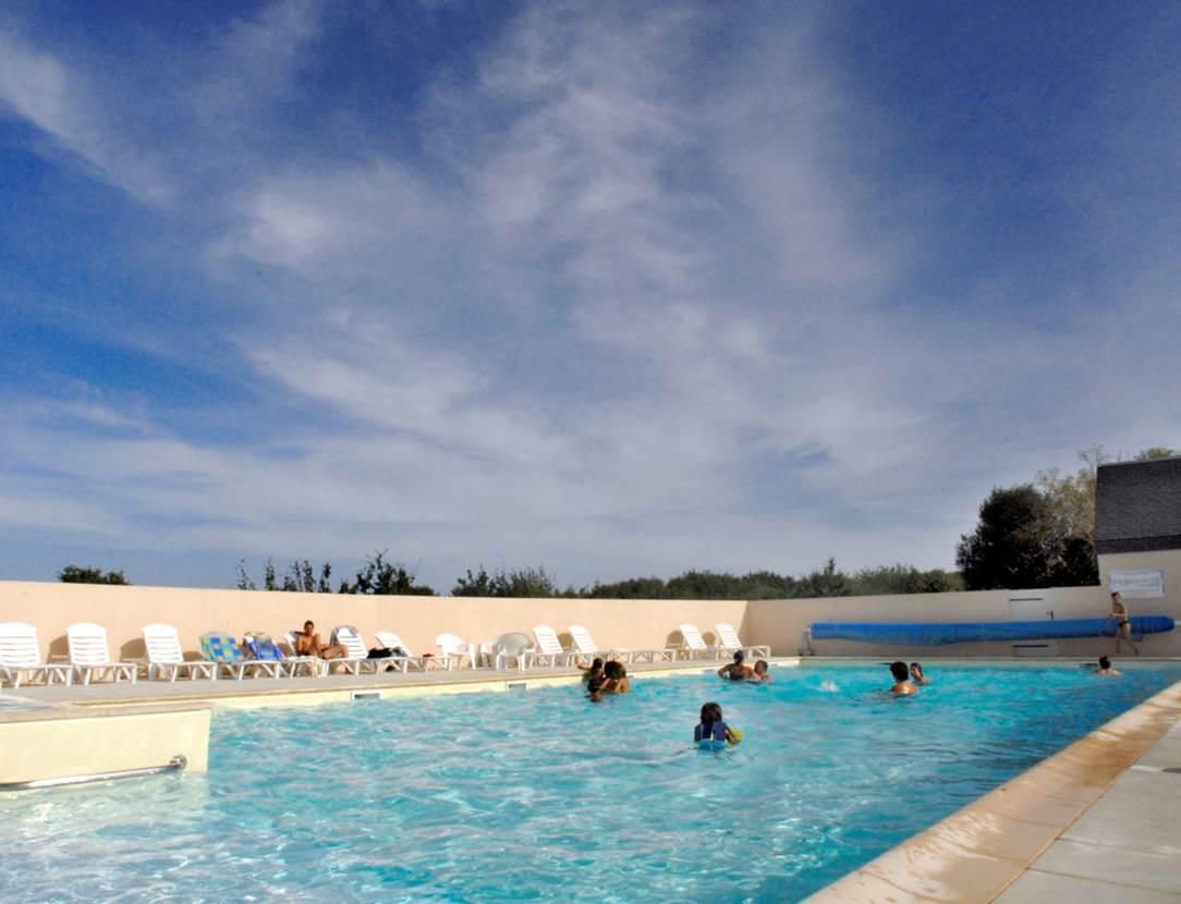 Piscine-Village-Vacances-Ty-An-Diaoul-Sarzeau-Presqu'île-de-Rhuys-Golfe-du-Morbihan-Bretagne sud