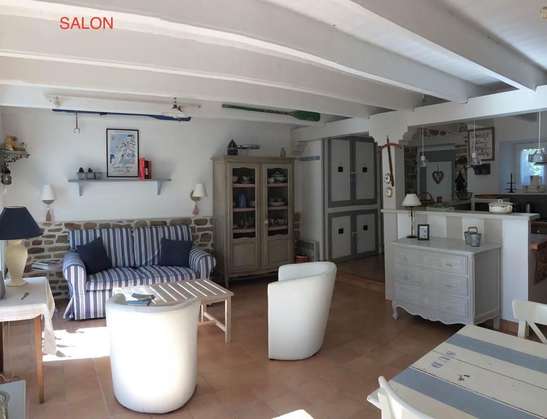 Salon-Location-Desmadryl-Stephany-Brigitte-Arzon-Presqu'île-de-Rhuys-Golfe-du-Morbihan-Bretagne sud