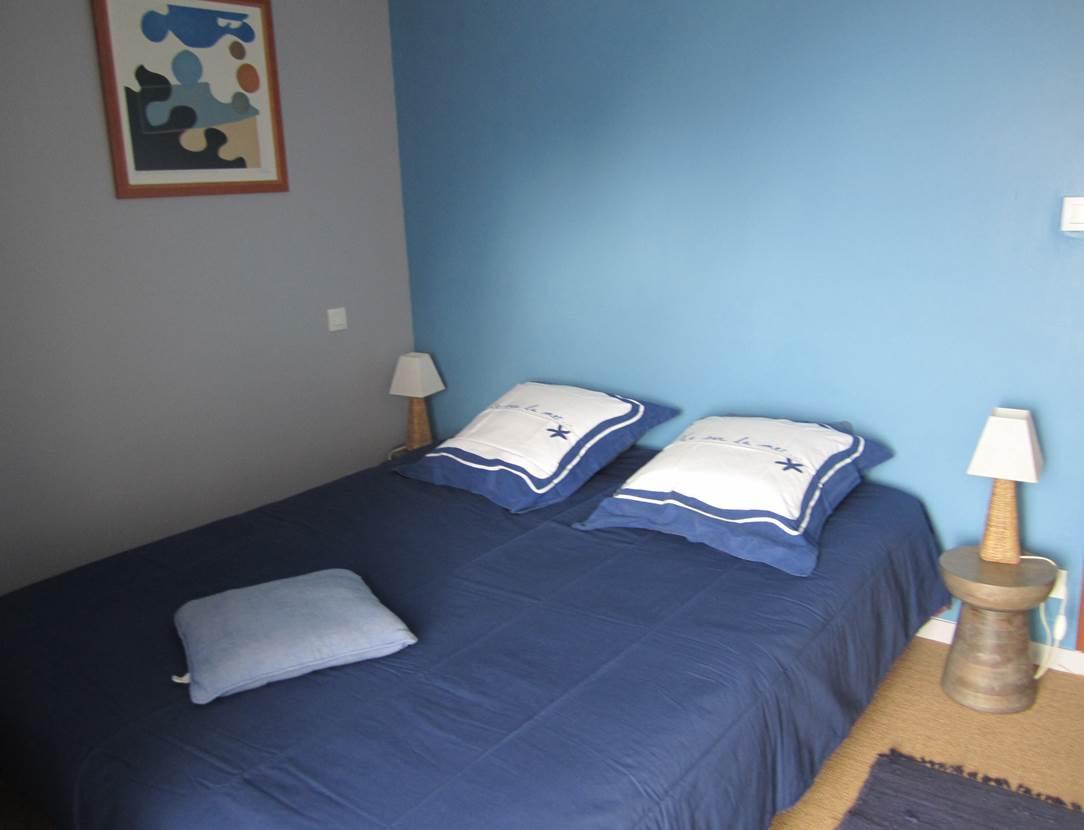 Chambre-lit-double-chambre-d-hôte-oxygène-bretagne-saint-gildas-de-rhuys-morbihan-bretagne sud