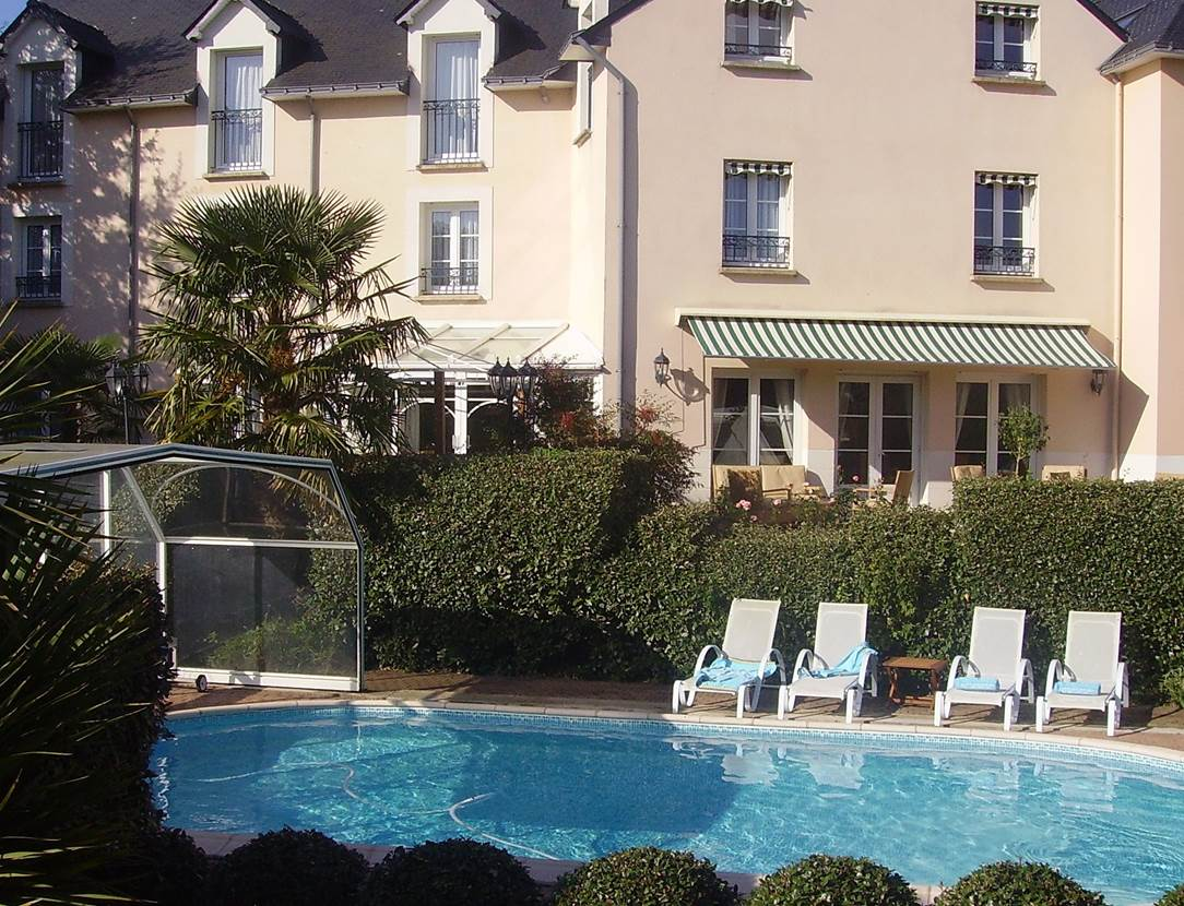 Hôtel-Le Parc er Gréo-Arradon-Golfe du Morbihan-Piscine Couverte-ou-Piscine Decouverte