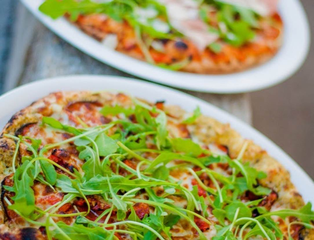 Pizzas-Pizzeria-La-Petite-Italie-Arzon-Presqu'île-de-Rhuys-Golfe-du-Morbihan-Bretagne sud