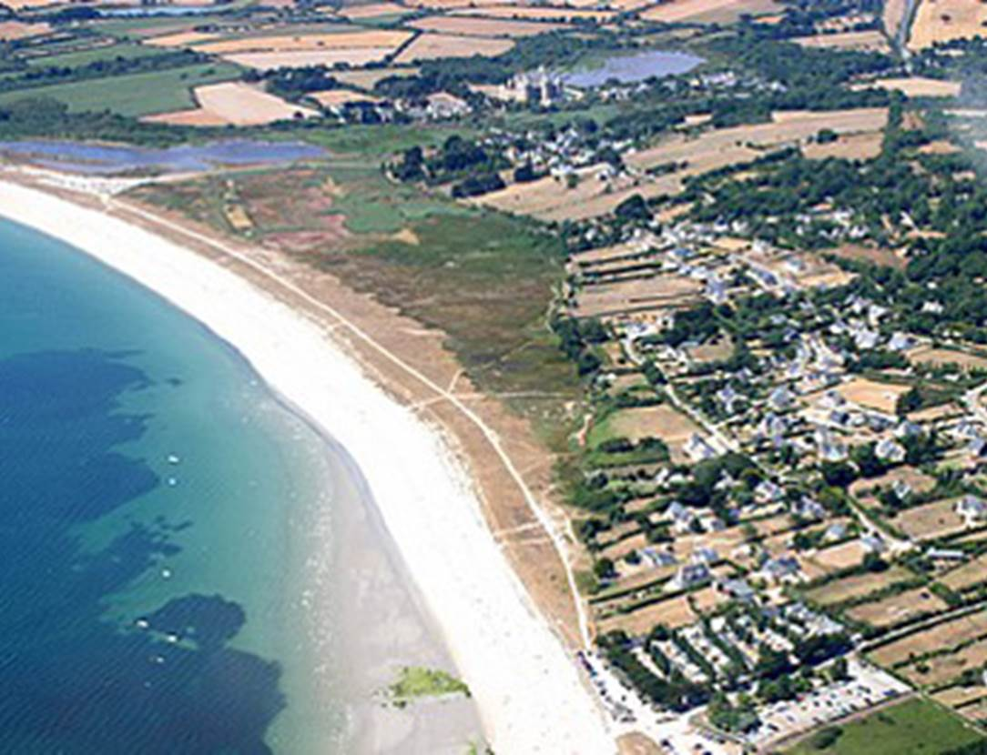 Vue-Aérienne-Camping-de-La-Plage-Sarzeau-Presqu'île-de-Rhuys-Golfe-du-Morbihan-Bretagne sud