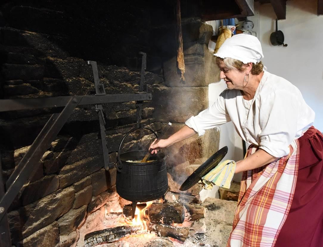 Soupe cuite au feu de bois