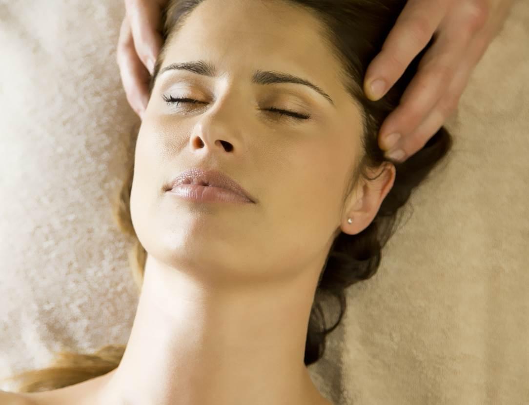 Massage-Cuir-Chevelu-Miramar-La-Cigale-Thalassothérapie-&-Spa-Arzon-Presqu'île-de-Rhuys-Golfe-du-Morbihan-Bretagne sud