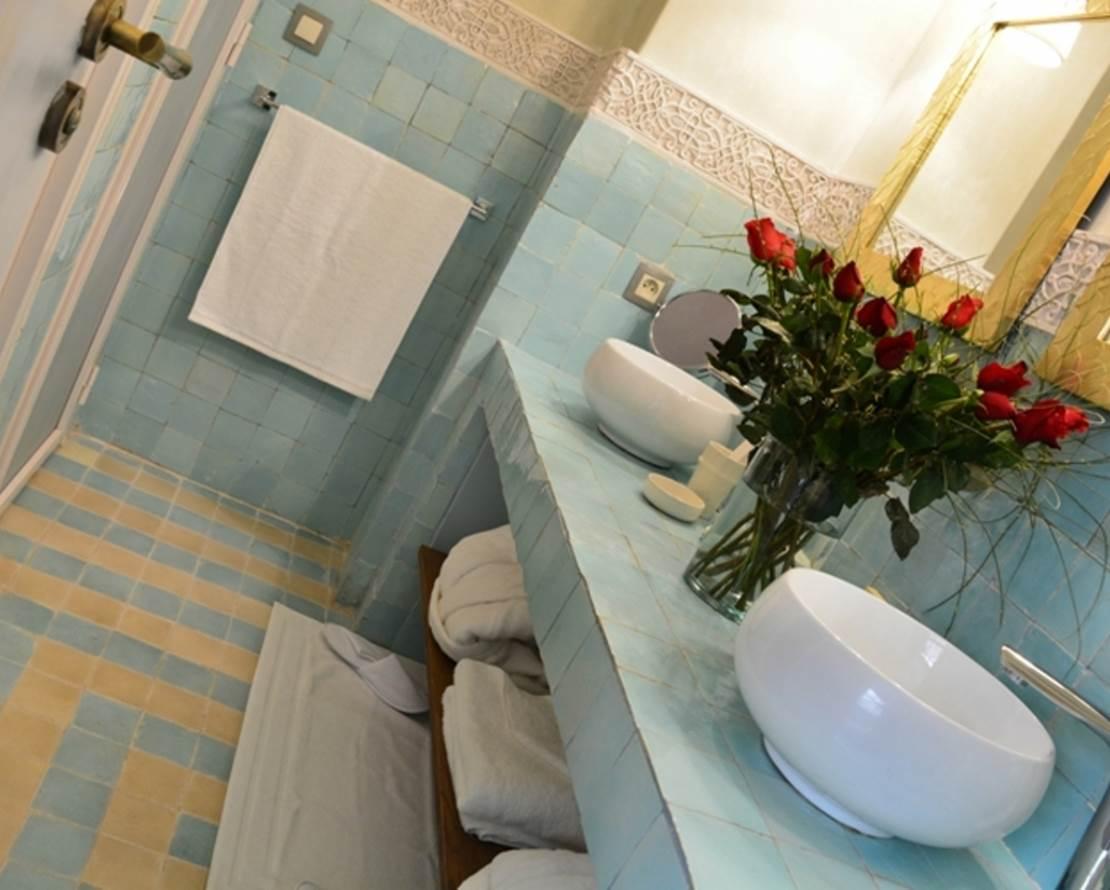 KARMELA PRINCESSE  salle de baine de cuivre célaron