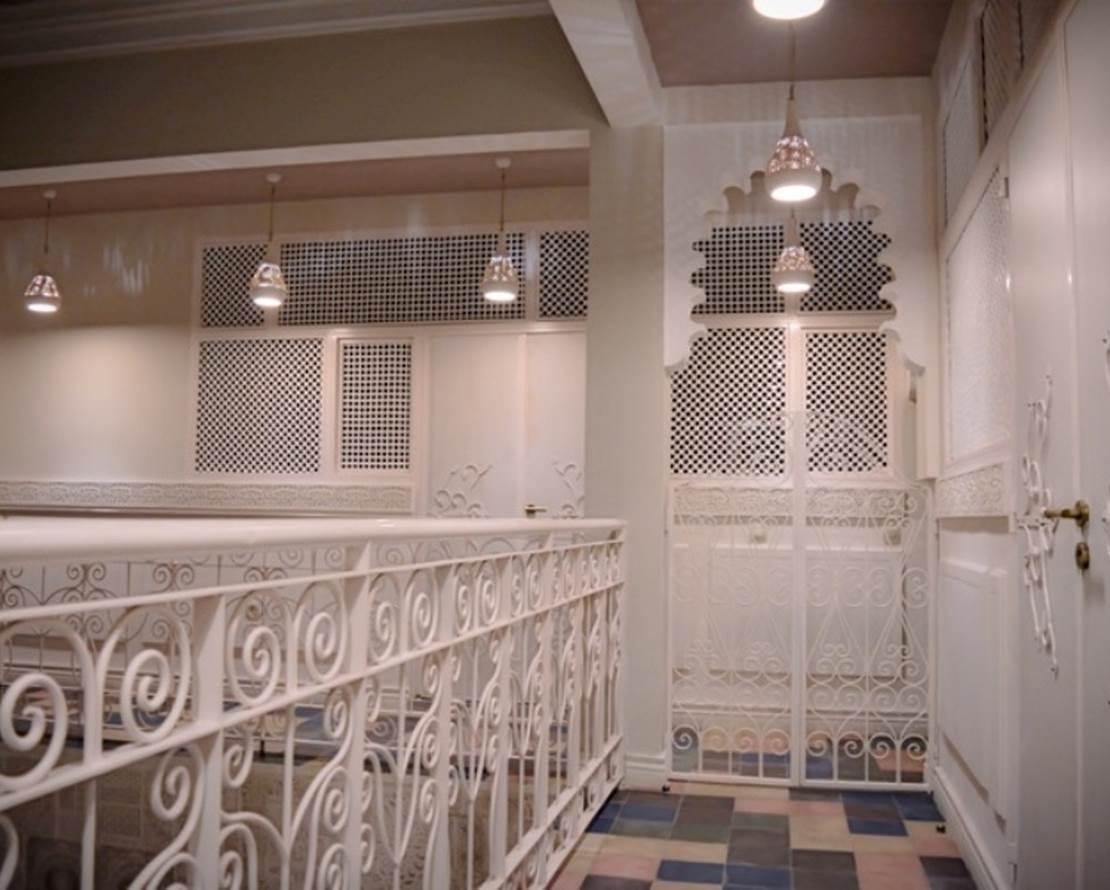 KARMELA PRINCESSE  escalier