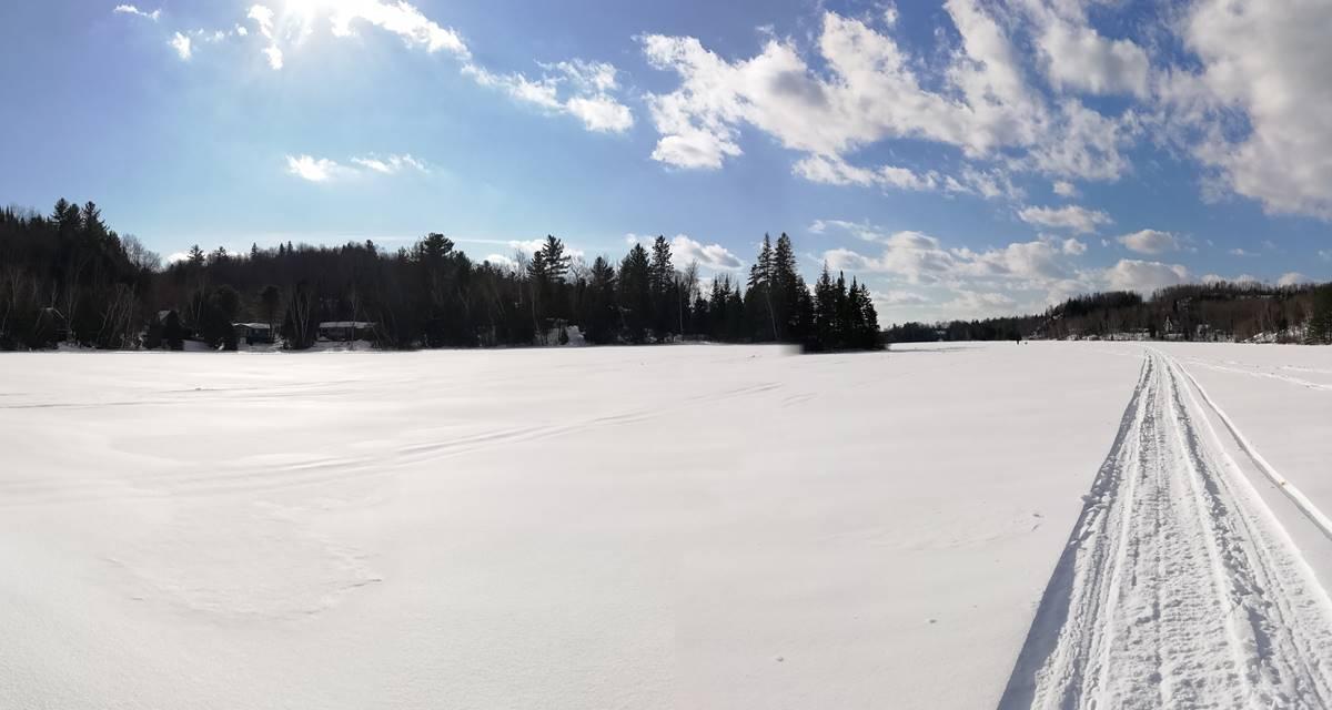 panorama au centre du lac