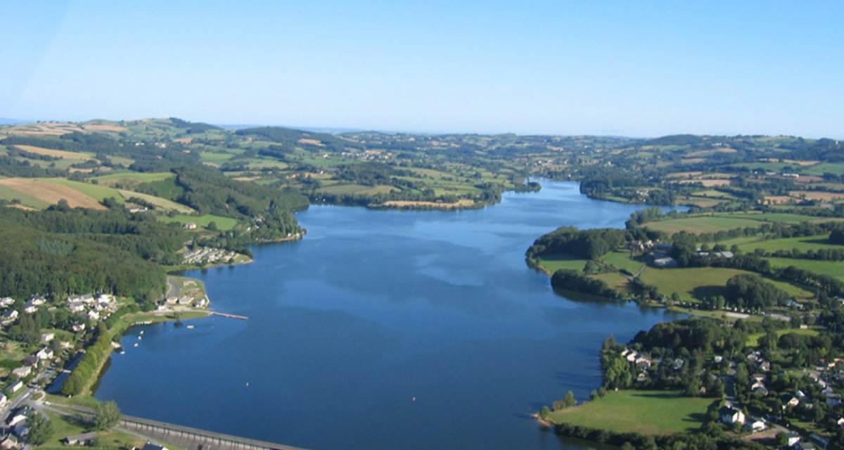 Photo aérienne du Lac de Villefranche-de-Panat