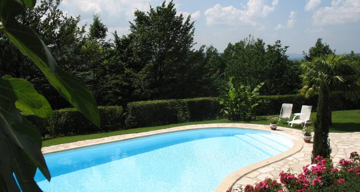 Villa Ric, soleil et piscine chauffée, détente à saint-Céré
