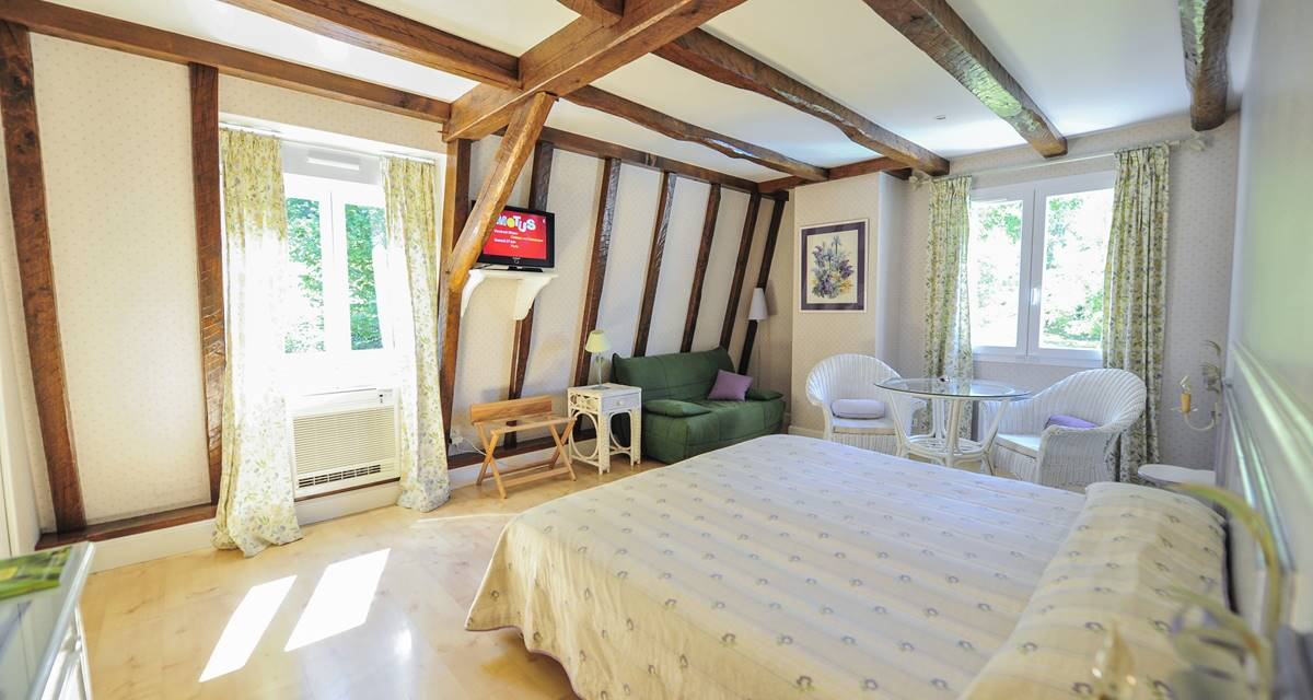 Villa Ric, chambres à Saint-Céré proche Rocamadour, vue nature