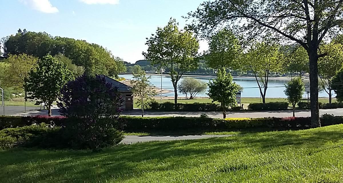 Yaloer, vue sur le lac