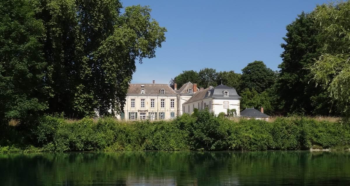 Château vue du lac