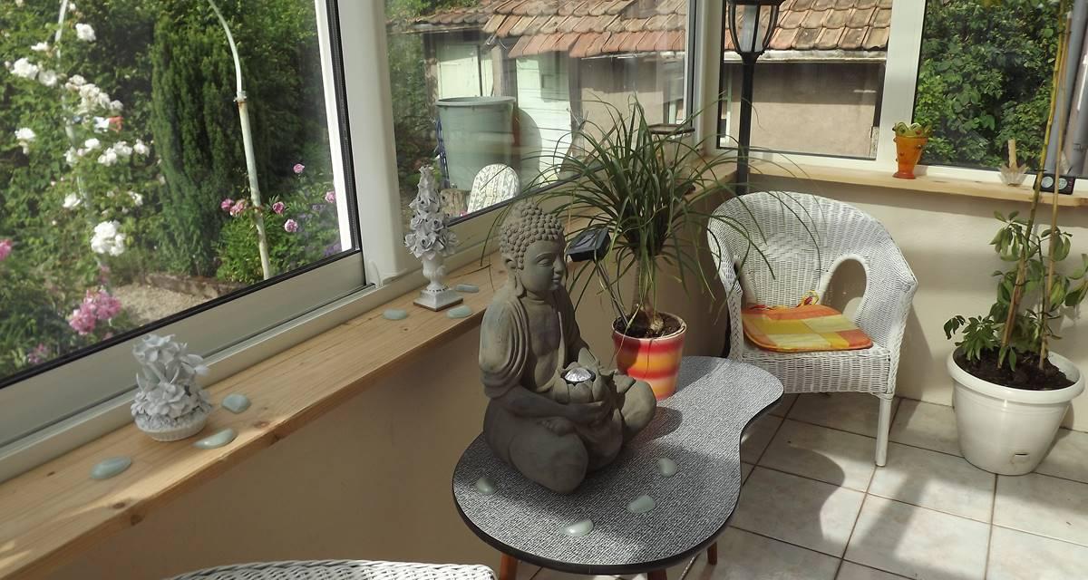 Veranda avec aces jardin du Gite du Lion90