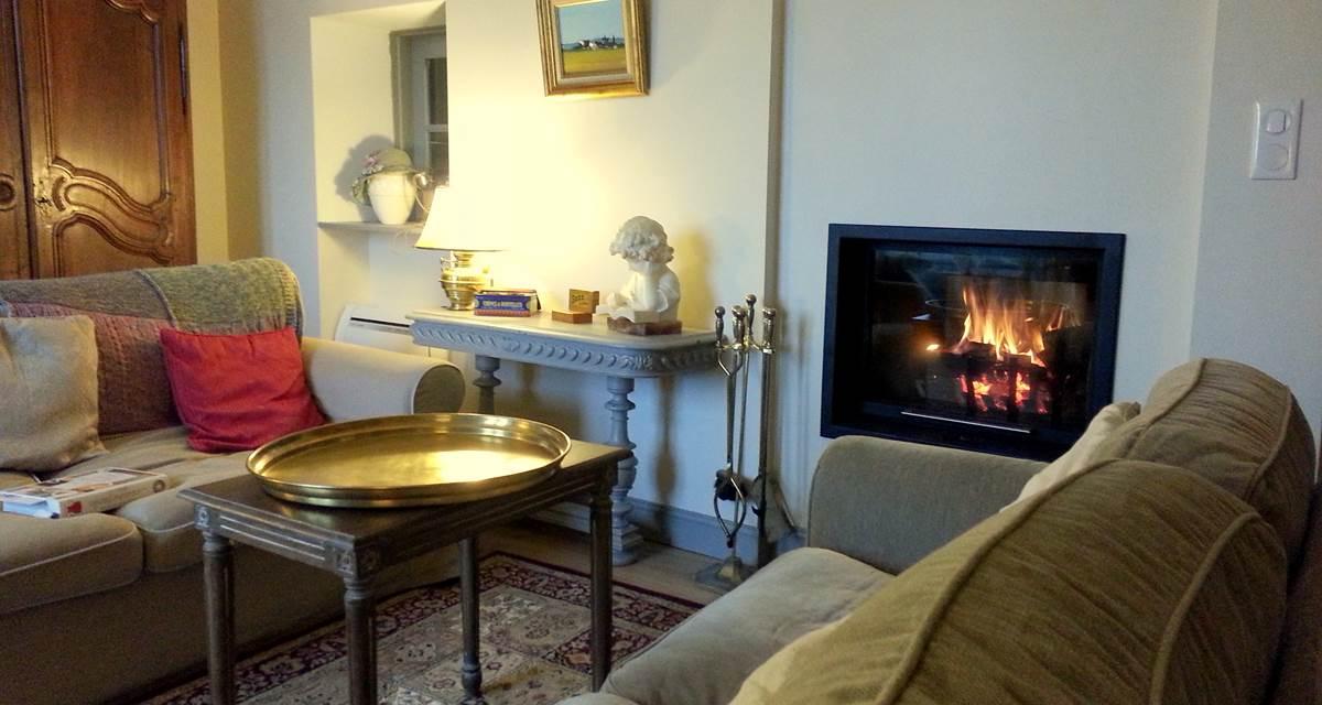 Salon cosy et accueillant pour l'hiver